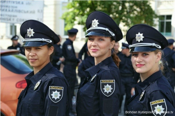 beautiful-female-police-officers12