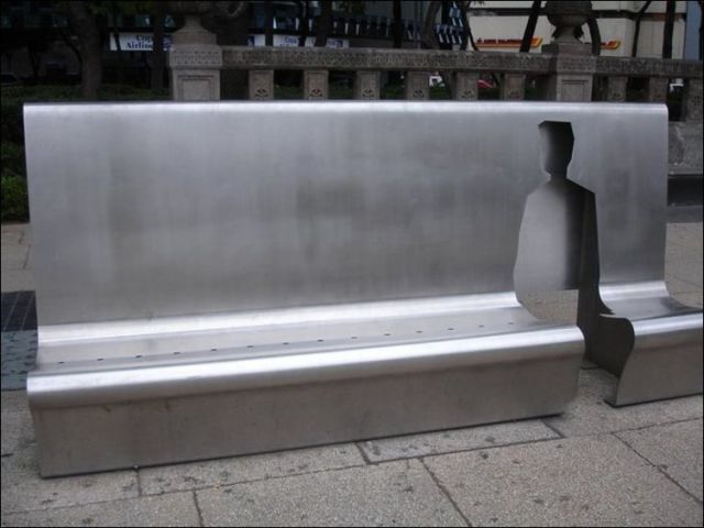 the_oddest_public_benches_in_the_world_640_09