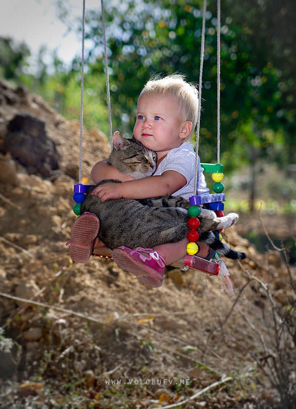 20-ほっこり20枚! 赤ちゃんとネコの仲良しな風景