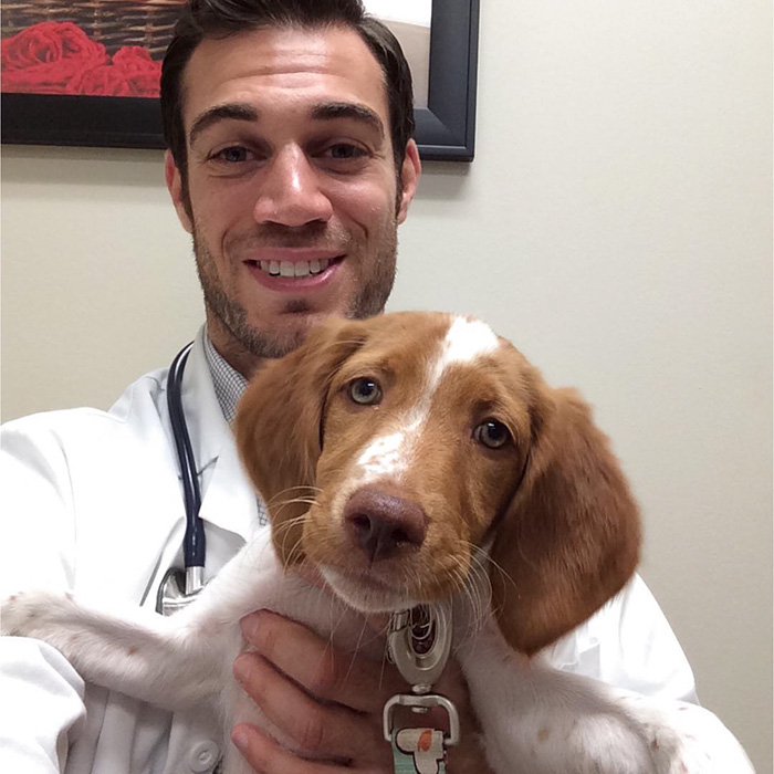 hottest-vet-pet-doctor-evan-antin-california-356__700