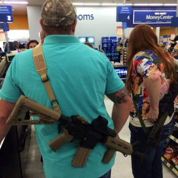 in_texas_people_take_their_guns_everywhere_with_them_640_08