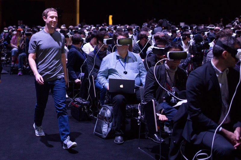 zuckerberg-vr-smiling
