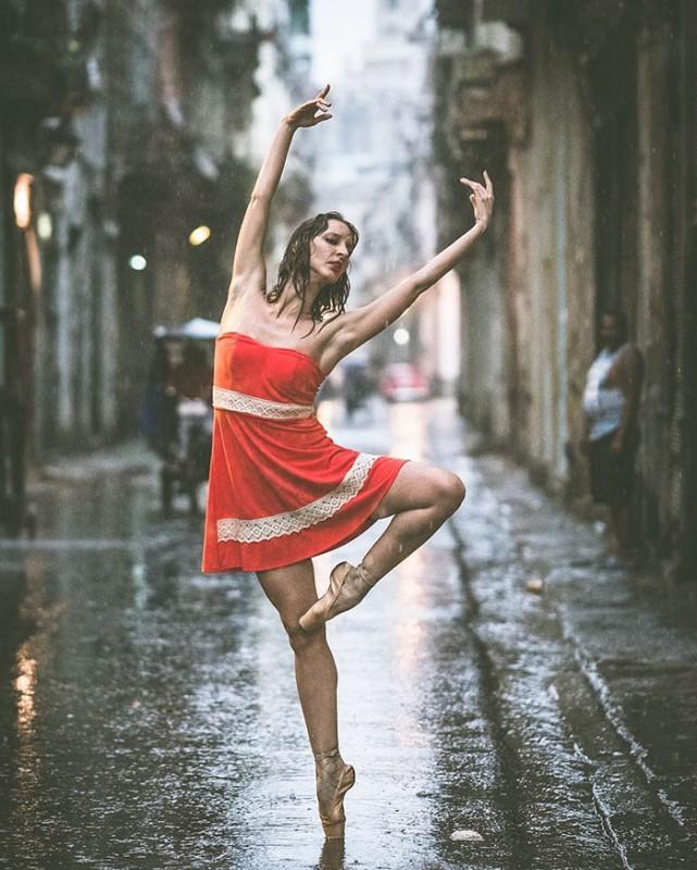 ballet-dancers-cuba-omar-robles-10-5714f5e52a9c1__700