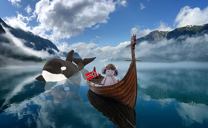 lost-toy-elephant-travels-around-world-photoshop-battle-11