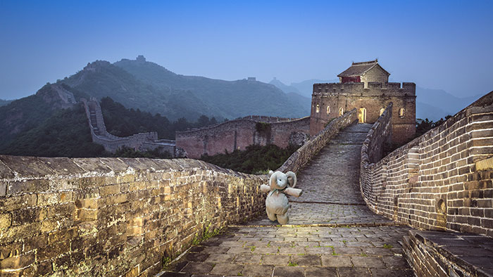 lost-toy-elephant-travels-around-world-photoshop-battle-6