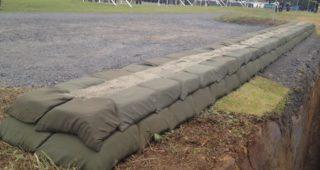 自衛隊の土嚢の積み方が芸術的だと話題に。4枚目の写真なんて理解すらできない(汗)
