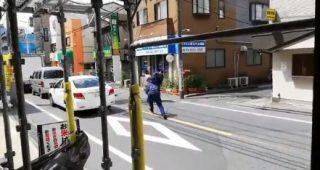 包丁を持った男を逮捕する様子が投稿され話題に!警官より強いヤマトドライバー!
