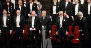 ノーベル賞授賞式に和服で参加した本庶佑さんに世界から賞賛の声「カッコイイ!」
